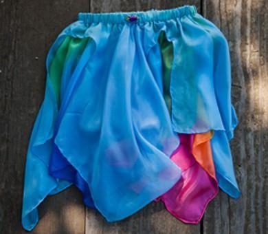 Fe-skørt i blå/regnbue 4-8 år